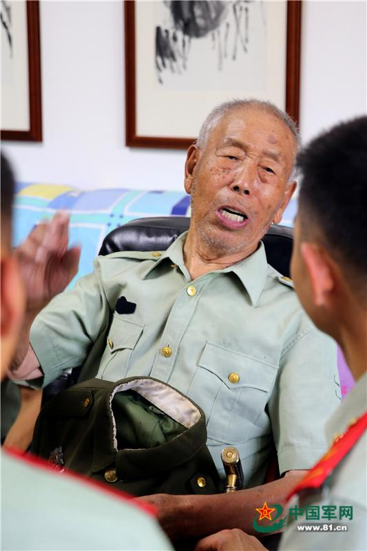 getInterUrl?uicrIvZQ=37bb3627b25ca52eeba06b0b5bda1745 - On the eve of August 1st, the officers and soldiers of the Yinchuan Detachment of the Armed Police visited and expressed condolences to the centenary war veterans