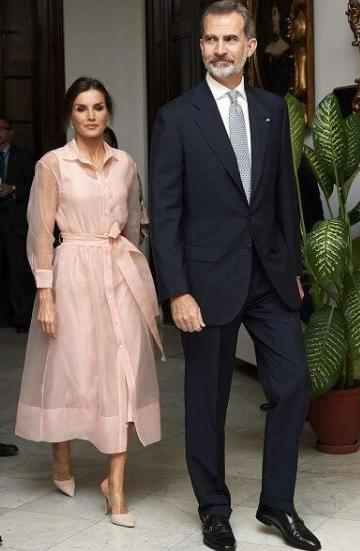 getInterUrl?uicrIvZQ=5a6709cfe61bb297dbc8709939748931 - The Queen of Spain is amazing! Wearing a pink transparent gauze skirt to become a fairy, 48 years old and a girl heart