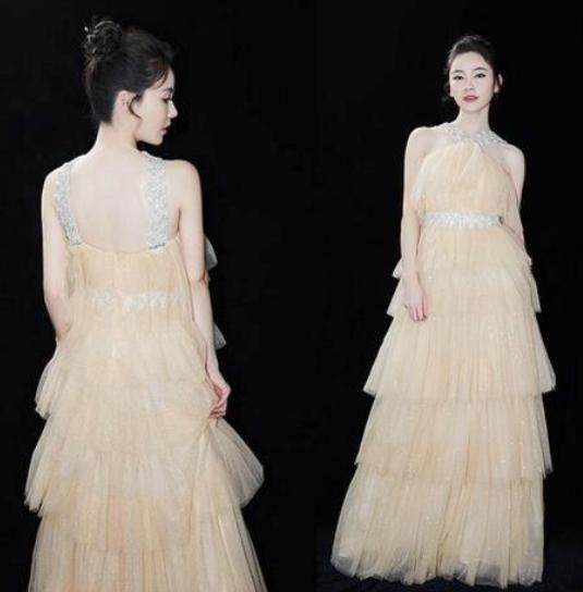 getInterUrl?uicrIvZQ=9674c510d926873b258eff309374b5e0 - I was powdered by Guan Xiaotong, this A-line skirt is too advanced, so beautiful
