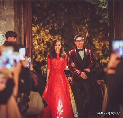 getInterUrl?uicrIvZQ=af9ba1459dca85bcaf4a6fb6a42dce05 - The red toast dress for the actress wedding, Liu Shishi is dignified and elegant, and Zhong Liti is beautiful and moving