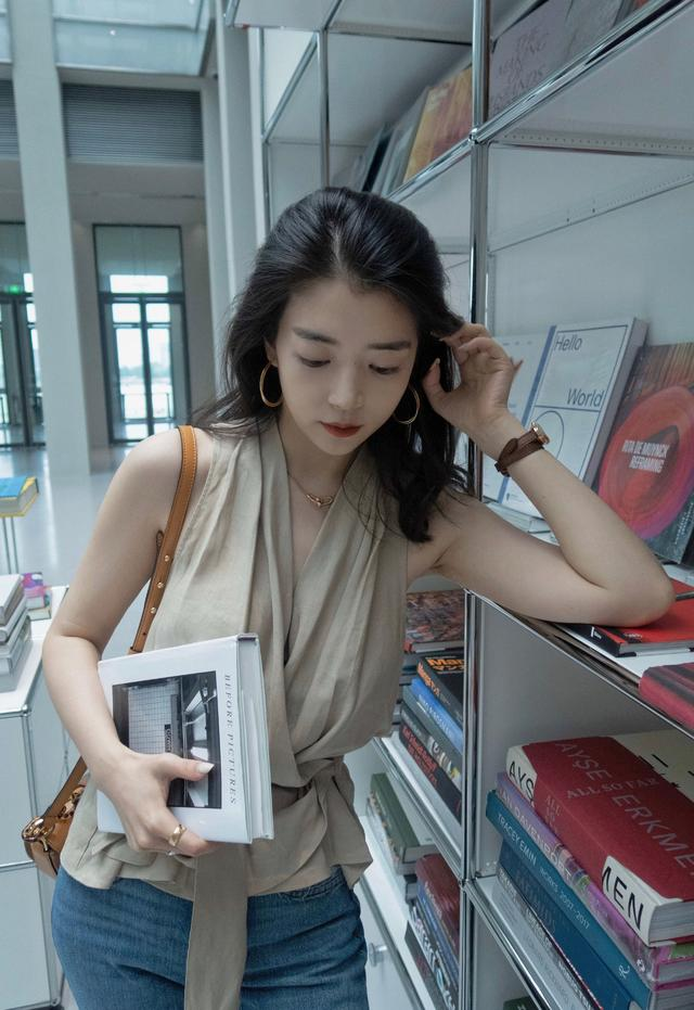 """getInterUrl?uicrIvZQ=b74bd0e8a762ae1e74e9fa7a6c5fc4d3 - Don't wear wide-leg pants for a 30-year-old woman, try Miki blogger's """"charging pants"""", thin and cool"""