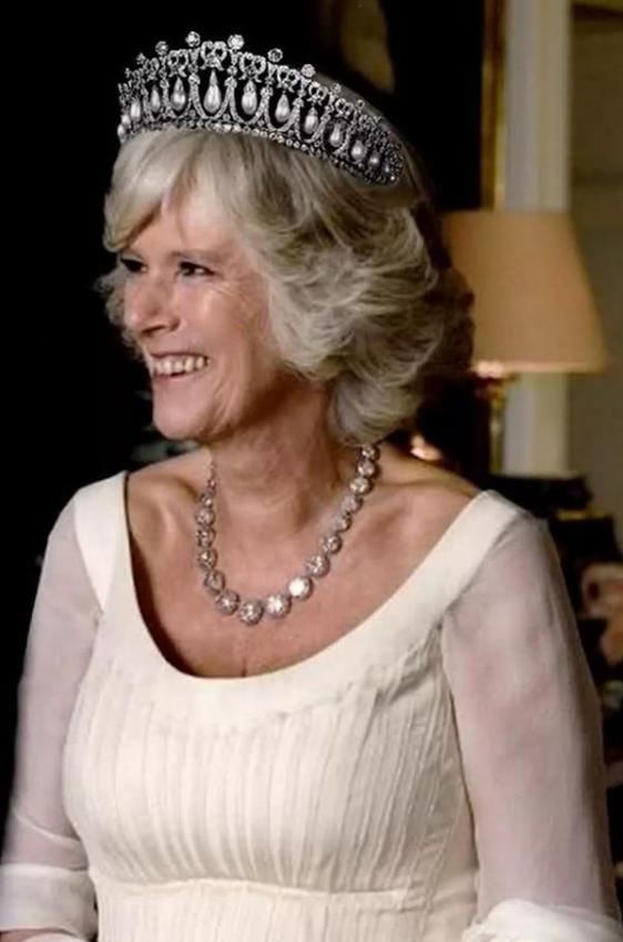 """getInterUrl?uicrIvZQ=c975da997204d2669e79a7f64d414321 - Wearing the""""Pearl Tears"""" crown, Camilla couldn't control it, Kate was dignified, the most shining on Princess Dai's head"""