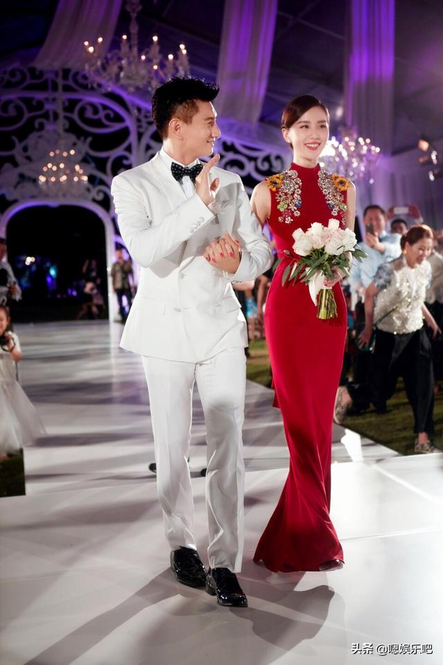 getInterUrl?uicrIvZQ=d67fac0d2769171b4a80755ceeae3fc8 - The red toast dress for the actress wedding, Liu Shishi is dignified and elegant, and Zhong Liti is beautiful and moving
