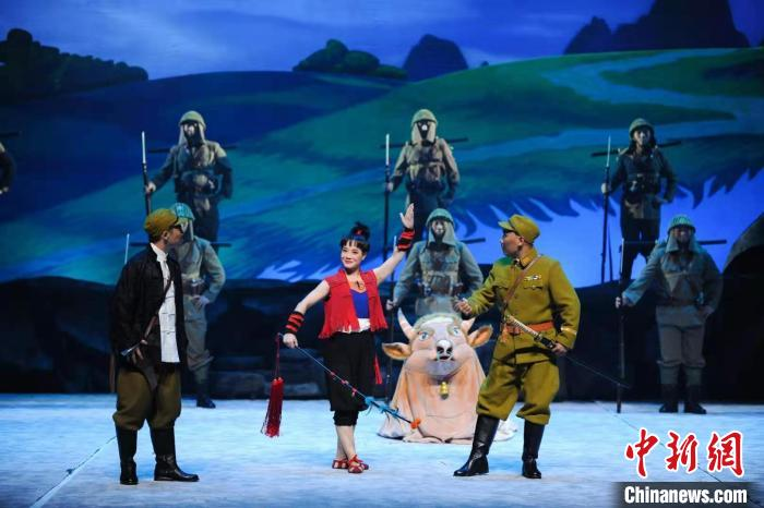 "A tribute to the centenary of the founding of the party. Children's Peking Opera ""Young Hero · Wang Erxiao"" with childish words and childlike reproduces the heroic story"