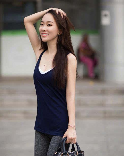 getInterUrl?uicrIvZQ=4b4b17309990be5a283348b246a63f4f - How can a female celebrity have a good figure? Then it depends on whether she dare to wear stretch pants?