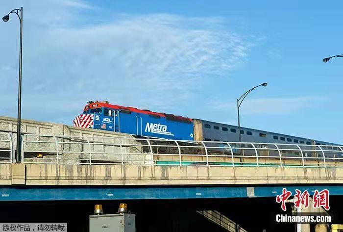 East-West Question | Short Comment: Why has the US failed to develop high-speed rail so far?(1)