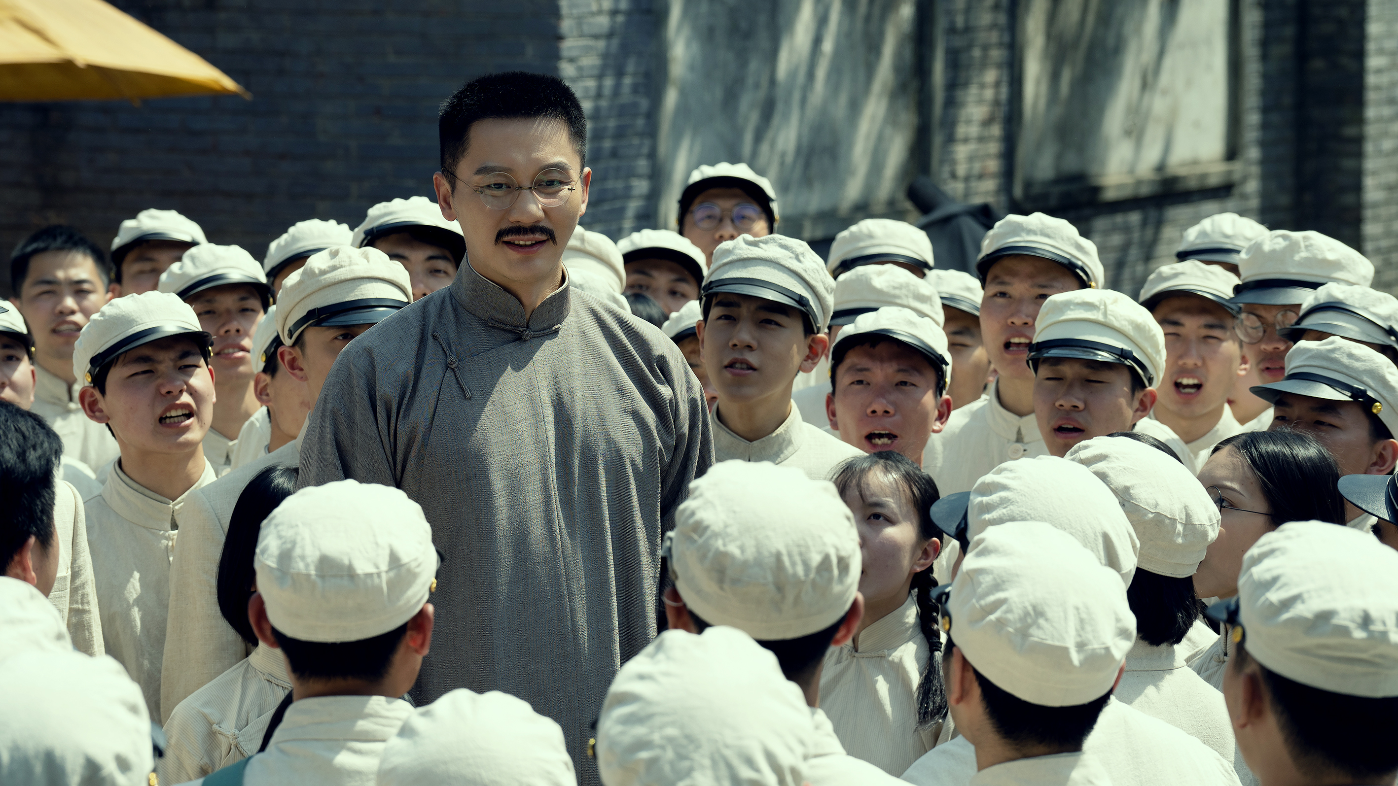 """The movie """"1921"""" kicks off the youth reading activity, students from Peking University, Tsinghua University and other schools participate(1)"""
