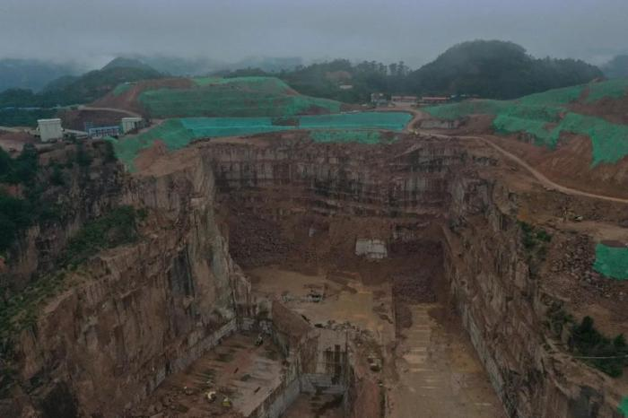 Extensive mining in Guangxi Cenxi Granite Mine, random dumping of spoils and rocks is common