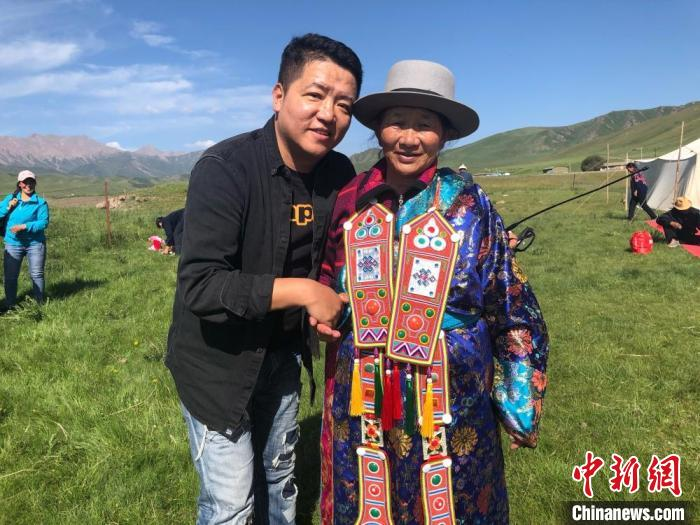 """""""Doctor of Yugu Nationality"""" Zhang Huigang: Self-discipline and self-confidence to be a """"matchmaker"""" to spread national culture in both directions"""