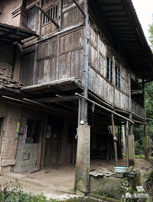 getInterUrl?uicrIvZQ=74b4e8034418b618d81e9399f7929aed - Walking in those old houses in Sumadang, amazed the time