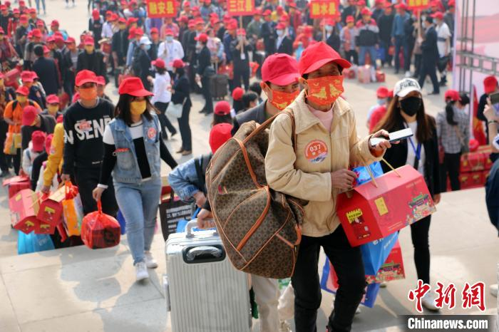 Guangxi multiple guarantees help migrant workers return to work, plans to organize 524 special trains