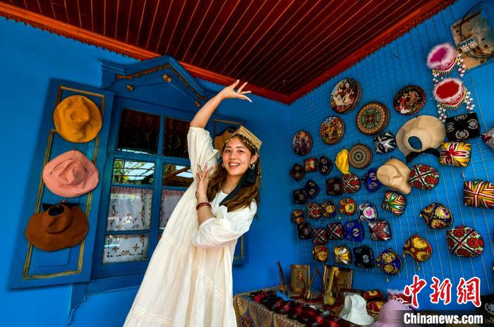 """Xinjiang folk custom tourism is popular, tourists """"fast forward and slow travel"""" to experience ethnic customs"""