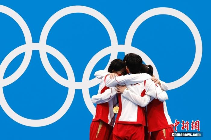 Break the world record! China won the Olympic swimming relay gold medal for the first time!(1)