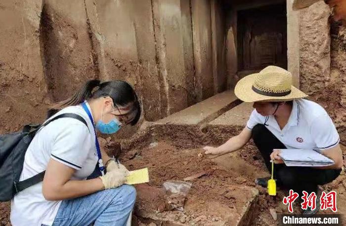 Fushun, Sichuan: The tomb found at a construction site was first judged to be an ancient tomb from the Song Dynasty. The owner of the tomb was a male