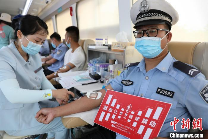 """This year, 1.89 million milliliters of """"love blood"""" from Henan has rushed to aid Beijing, Hebei and Hubei"""