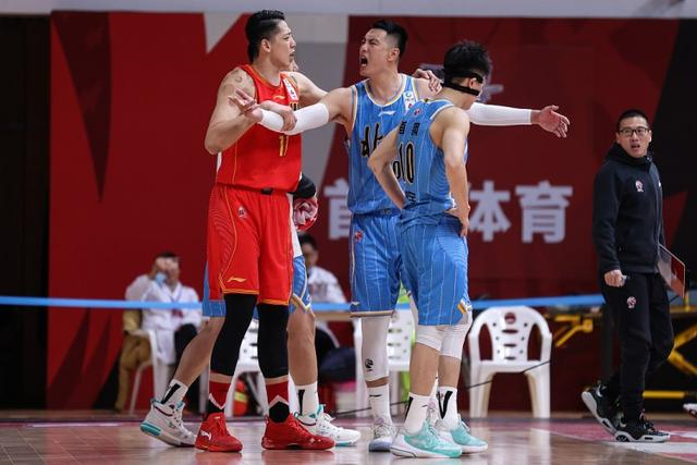 getInterUrl?uicrIvZQ=fb9818f5a1a323abfd9efbc18d430e98 - When Shen Zijie pulled back to Zhai Xiaochuan, he urged the latter:Brother Chuan could not go and was suspended for one year